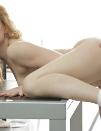 Super sexy beauty queen has been seduced on the table for the sake of mutual fun. Extraordinary collection of heavy sex.